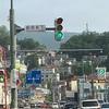 節約旅行での出会いと発見。 へぇ~、知らなかった。 ~小樽で見かけた「縦型の信号機」に思う。