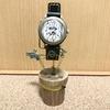 シルクハットとびっくり箱の時計スタンド