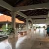 """バリ島 ヌサドゥア ハイアット """" Pasar Senggol """" レストランにて バリ料理を摂る"""