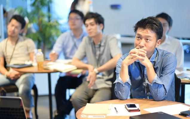 レバレジーズが中途社員向けの企業理念研修を行うワケ