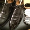 靴修理人 兼 シューフィッター 兼 靴マニアのコマツです。