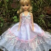 ピンクとシルバーのドレス