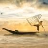 【中国の釣り動画】命がけガチンコファイトが凄い!延べ竿で怪魚を釣る。