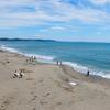夏の思い出 七里ヶ浜のサーファー