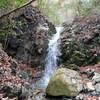 深戸谷から水無滝・逢ヶ山へのハイキング(その1)深戸谷前半