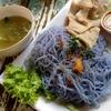 チェンマイ昼麺部 その6 青い麺のクイッティァオ アンチャン