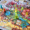 「魔法使いの修行の旅(Wizards Wanted)」ファンタジー世界を巡る魔法使いの活躍がテーマのB級ボードゲーム。