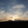 夕暮れ景色~その80『巻雲と飛行機雲そして彩雲』