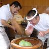 【奈良へ来たら必見。高速餅つきの中谷堂】