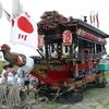 由来は里見水軍とも徳川将軍の舟遊びともいわれている、朱塗の映える船型の山車、濱三の「明神丸」。