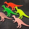 派手な恐竜バッチ