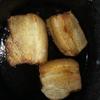 【深夜の飯テロ7】焼くだけで簡単にできるスキレットでチャーシューステーキ