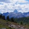 シタデルパス(A7)ハイキングー広々としたメドウを伸び伸び歩きます