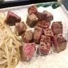 吉祥寺「ステーキハウスさとう」では2千円で黒毛和牛ステーキランチが食べられる。
