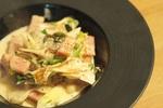 【冬レシピ】シェフの「ネギとベーコンの生姜クリーム煮」の作り方