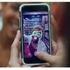 Facebookアプリに、ストーリー、カメラエフェクト、Directを追加