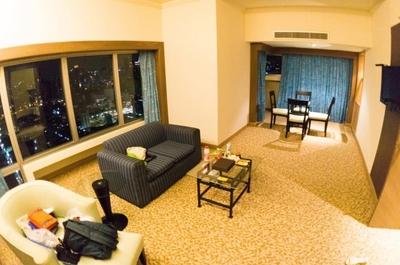 【タイ旅行記#5】3泊した「バイヨークスカイホテル」でもタイの物価の安さを感じられる広さ!日本一の高層ビルと同じ高さでした。