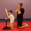 野球の練習で「ボールから目を離さないでね。」とアドバイスしたときの子供がとった行動がかわいすぎる!