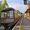 ビッグ・ベンとタワー・ビレッジ&蒸気機関車とダートマス