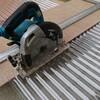 ポリカーボネイト波板を丸ノコで切る 庇完成  剛研ワレ物 ちょっとした階段完成