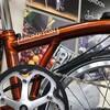 BROMPTONの2019年新色フレイムラッカーとパープルメタリックが各店に入荷!