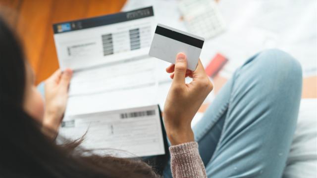 一人暮らしの貯金はどのくらい?貯金方法やFPのリアルな家計簿を公開