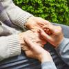 介護現場の実状。どうすれば介護に関わる人が幸せに働くことができるのか?