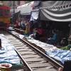 【旅行記】夏休みに行く家族4人バンコク旅行〜 ② メークロン市場と水上マーケットへ