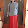 冬本番のマキシスカートはテラコッタで見た目も暖かく