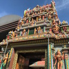 バンコクのシーロム通りにあるヒンドゥー教寺院。