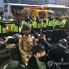 「釜山・日本領事館前少女像設置計画」、奇襲設置→強制撤去のドタバタ劇