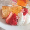 シフォンケーキとイチゴでなんちゃってひな祭り(気分)