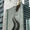 ビルの壁にボートが! 大阪市内のあんなもの、こんなものです。