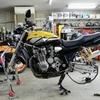 XJR1300 (タイヤ交換)