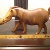 00004『動物木彫:イボイノシシ』(【タンザニア】ハンドカービング)