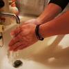 コロナウイルス問題。園児に習う手の洗い方と休校により問われる職場環境と理解。