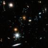 ハッブル宇宙望遠鏡の画像を合成した画像に写っている無数(?)の銀河が凄い。