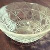 割れてしまったガラスの食器に思う。物欲が減ったミニマリストに近づいたと思ってたけど、まだまだかもしれない。