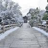 雪の大谷本廟。