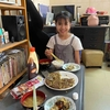 娘とのある日の昼食、キャベツ焼き。