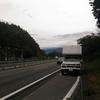 高速道路で車が動かなくなった時の対処法は?