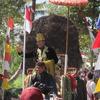 ムラピ山の村での独立記念日行事(2)
