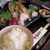 ●春家秋亭(しゅんかしゅうてい)のお刺身定食