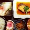 沼津魚市 ひなの家(本日の煮魚(ブリ)&刺身定食)