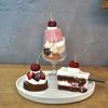 金町の「たべものと日用品wao」でアメリカンチェリーのヴァシュラン、アメリカンチェリーのタルト、アメリカンチェリーのスコップケーキ。