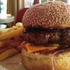 パリで人気のハンバーガーの特徴は?その味や食べ方の違いを探る