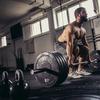 トレーニング変数(解糖系の多量のボディビルスタイルプログラムは、少量のルーティンより急性テストステロン濃度を大きく高め筋肥大を促す)