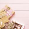 """《お菓子とデザイン》ゴディバ【母の日】、フラワーデザイナー""""ニコライ バーグマン""""とのコラボが華やかなチョコレートパッケージなど3選"""