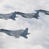 空自と米B52爆撃機が共同訓練
