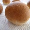 胚芽を少々、香ばしく焼いてふっくら胚芽プチパン。
